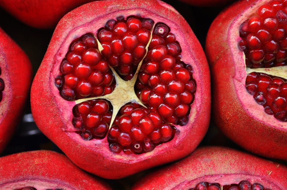 POMEGRANATE AND ITS PROPERTIES