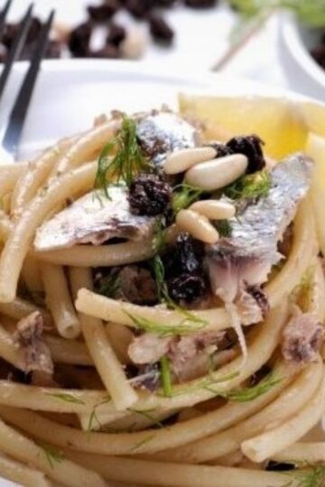 Bucatini with anchovies
