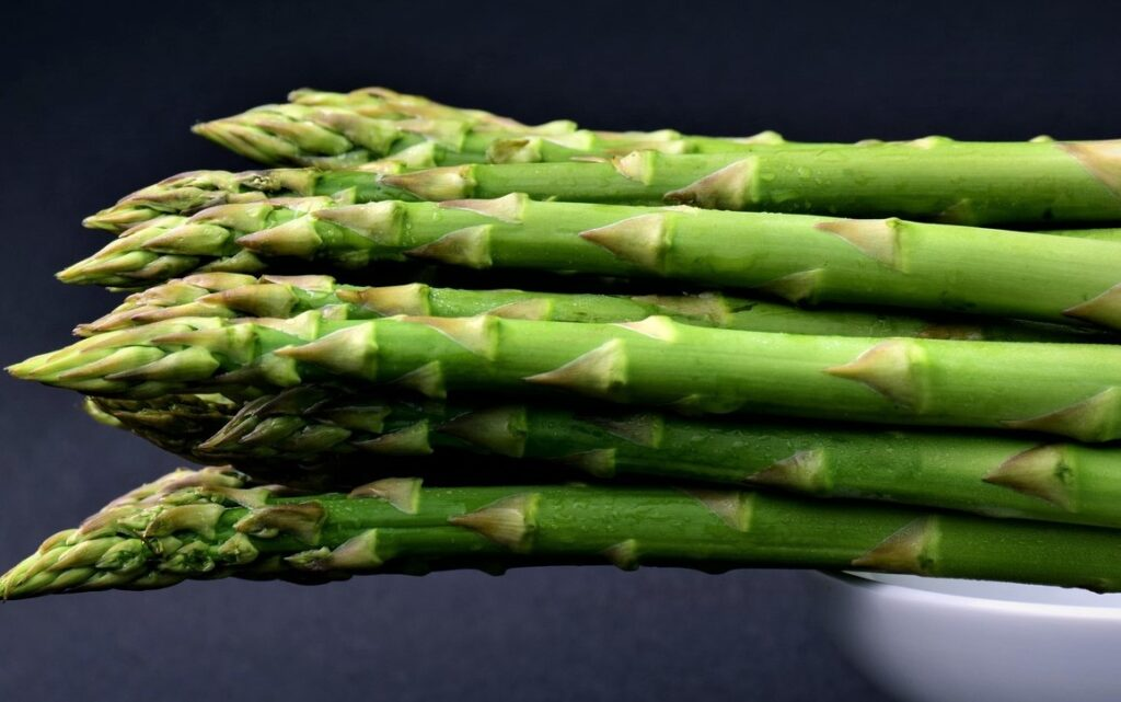 Asparagus with butter